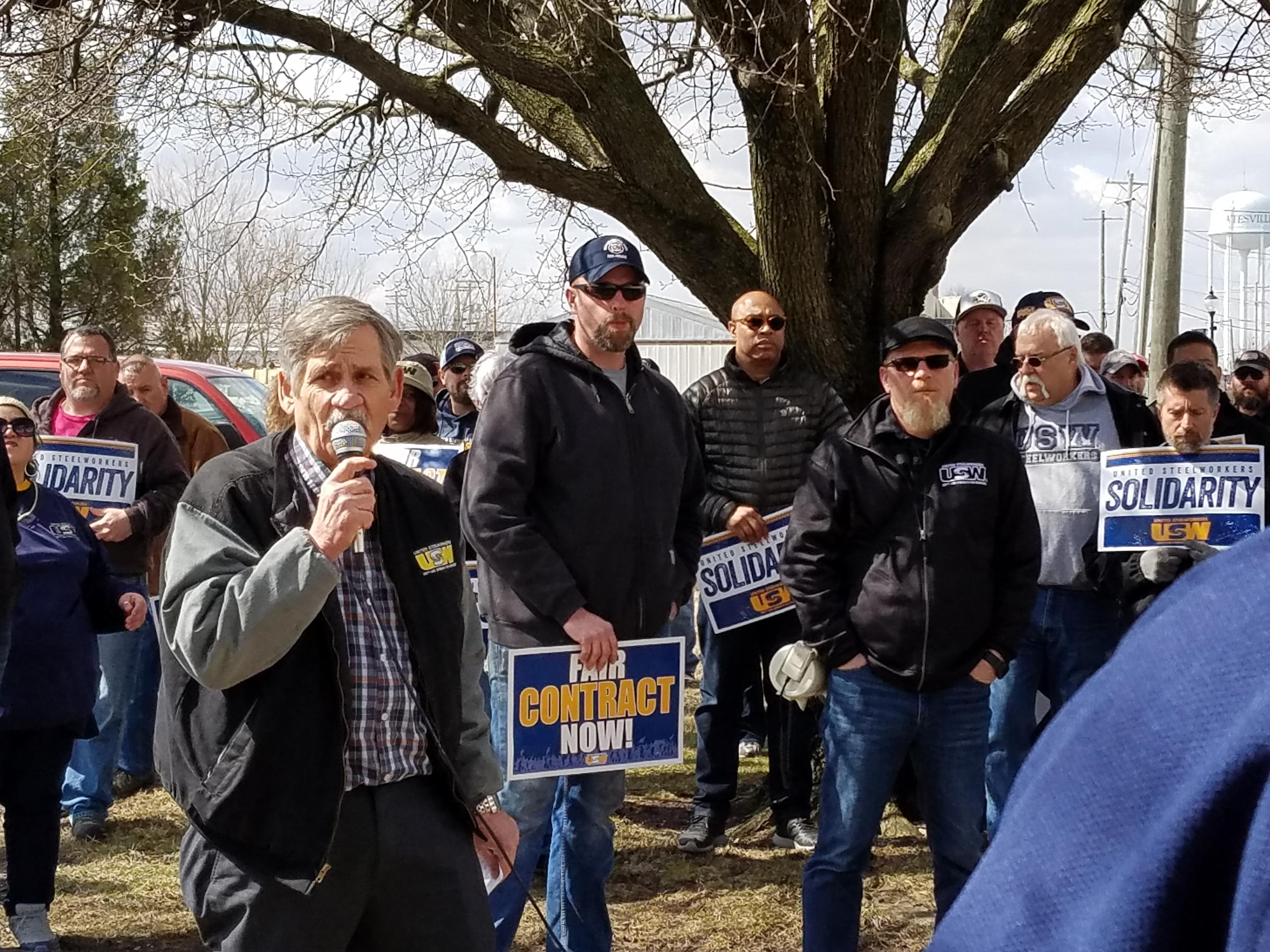 Mike Millsap Addresses Rally goers in batesville Indiana